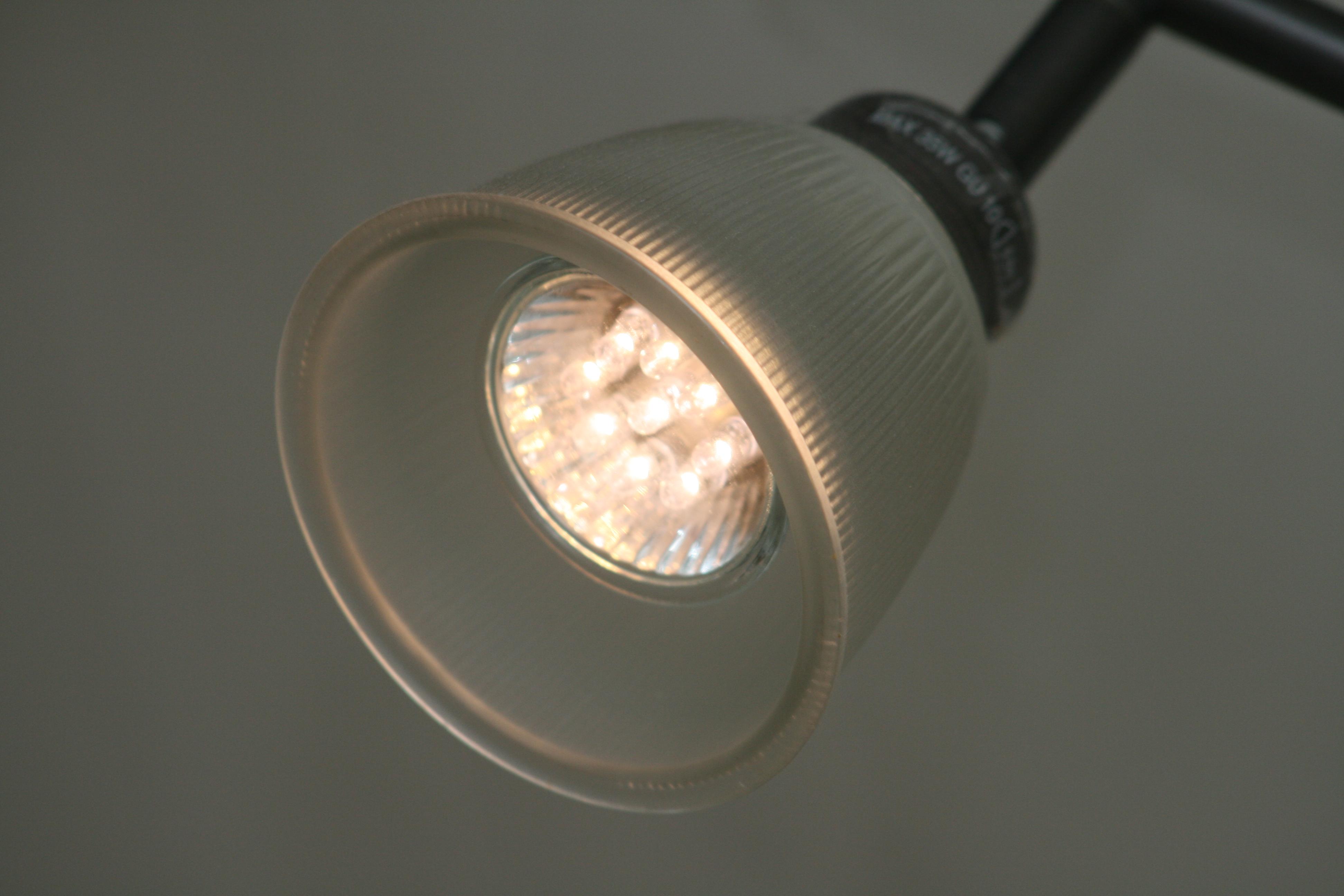 review low energy gu10 bulbs transforming grace. Black Bedroom Furniture Sets. Home Design Ideas